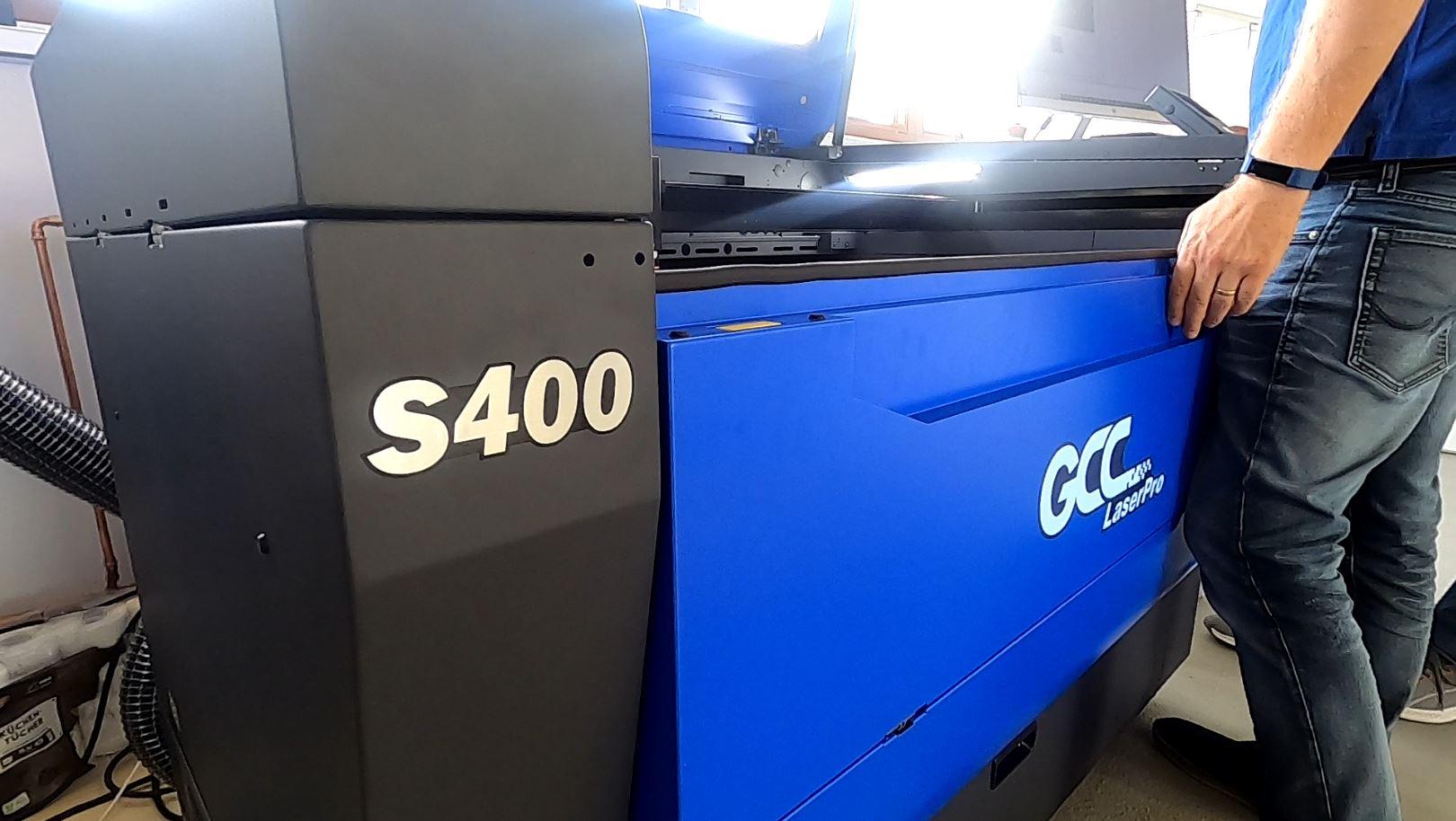 GCC S400 - mehr Arbeitsfläche und Arbeitshöhe für flexiblere Anwendungen